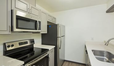 Similar Apartment at 6040 California Ave Sw