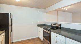 Similar Apartment at 3825 34th Ave W