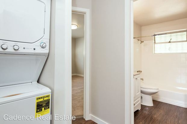 2 Bedrooms 1 Bathroom Apartment for rent at 2515 Thorndyke Ave W in Seattle, WA