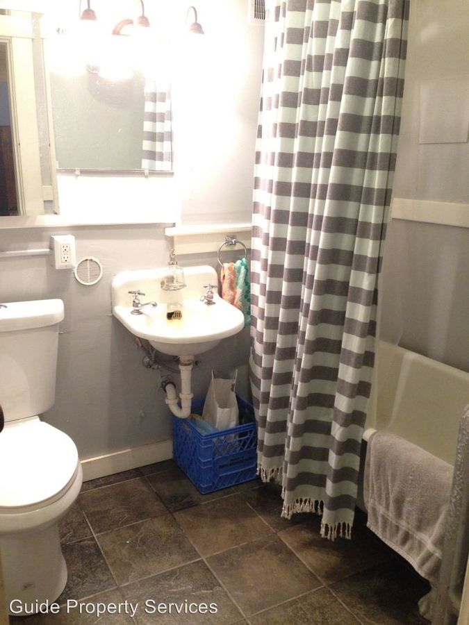 Studio 1 Bathroom Apartment for rent at 1019 E Pike St in Seattle, WA