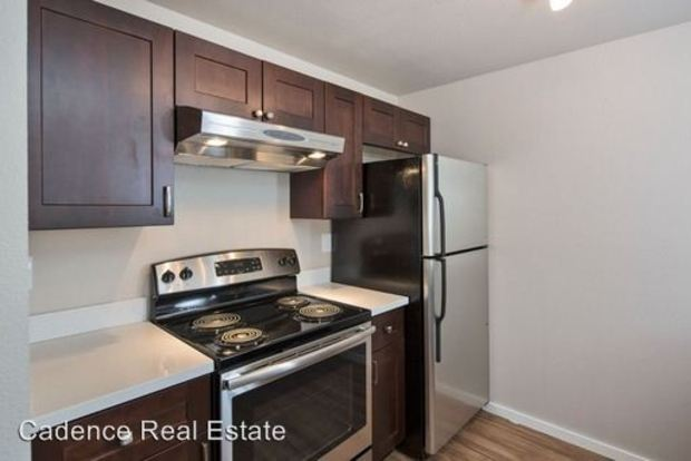 2 Bedrooms 1 Bathroom Apartment for rent at 9515 Interlake Ave N in Seattle, WA