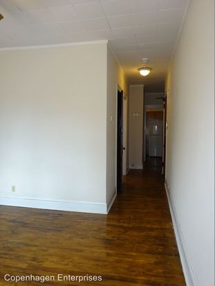 1 Bedroom 1 Bathroom Apartment for rent at 1912 Clinton Avenue South in Minneapolis, MN