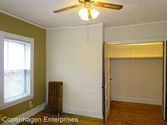 Studio 1 Bathroom Apartment for rent at 1912 Clinton Avenue South in Minneapolis, MN