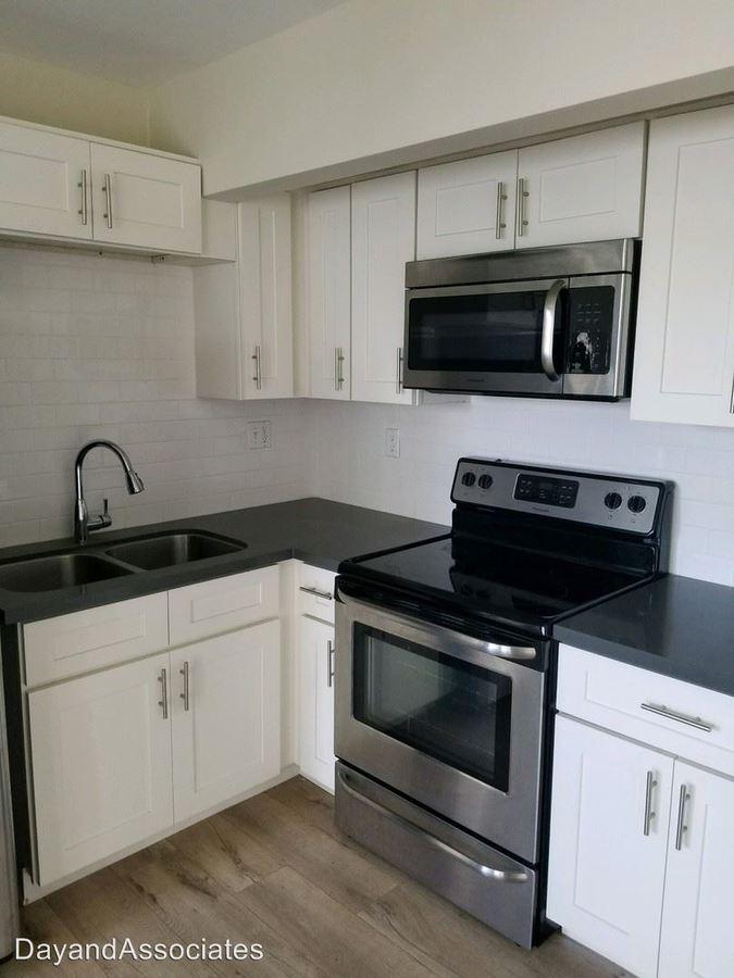 Studio 1 Bathroom Apartment for rent at 16900 Crenshaw Blvd in Torrance, CA