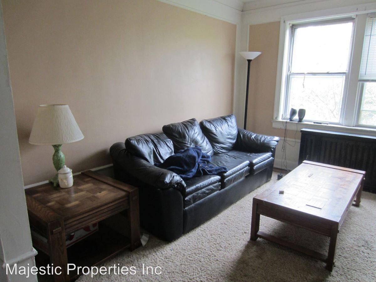 2 Bedrooms 1 Bathroom Apartment for rent at 2805 Stratford Ave. in Cincinnati, OH