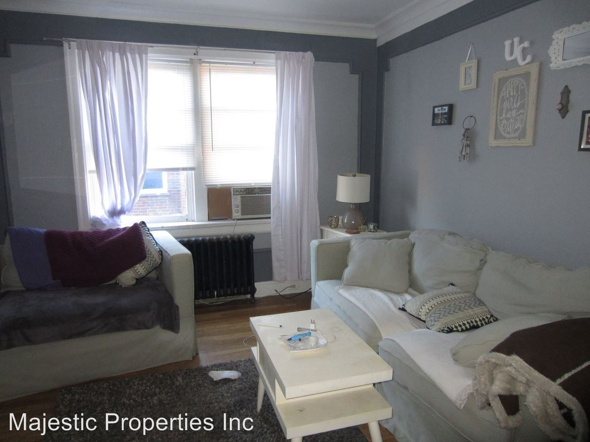 3 Bedrooms 1 Bathroom Apartment for rent at 2805 Stratford Ave. in Cincinnati, OH
