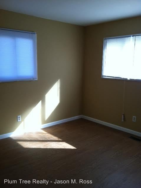 2 Bedrooms 1 Bathroom Apartment for rent at 409 Sycamore Road in Trenton, OH