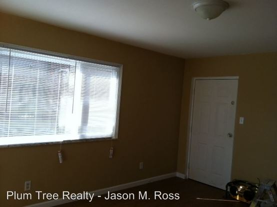2 Bedrooms 1 Bathroom Apartment for rent at 405 Sycamore Road in Trenton, OH