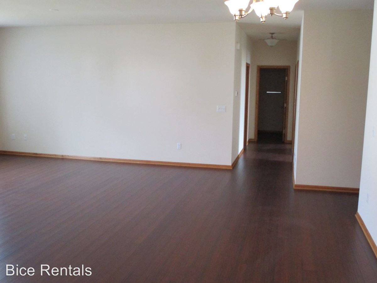 3 Bedrooms 2 Bathrooms Apartment for rent at Machesney Park in Machesney Park, IL