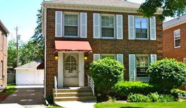 Similar Apartment at 2921/2941 Monroe Street