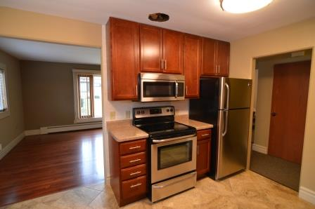 2 Bedrooms 1 Bathroom Apartment for rent at Ascot Hill in Madison, WI
