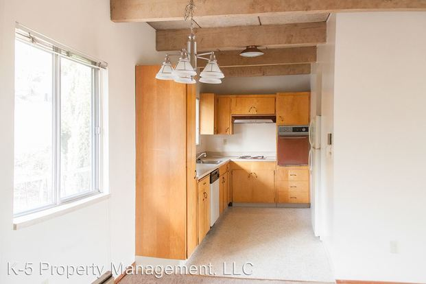1 Bedroom 1 Bathroom Apartment for rent at 4820 Sw Barbur Blvd in Portland, OR