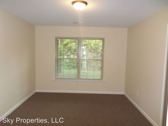 2 Bedrooms 2 Bathrooms Apartment for rent at 1755 Galbraith Road in Frankfort, KY