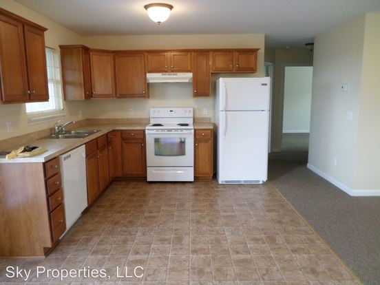 2 Bedrooms 1 Bathroom Apartment for rent at 100 Pinnacle Court in Frankfort, KY