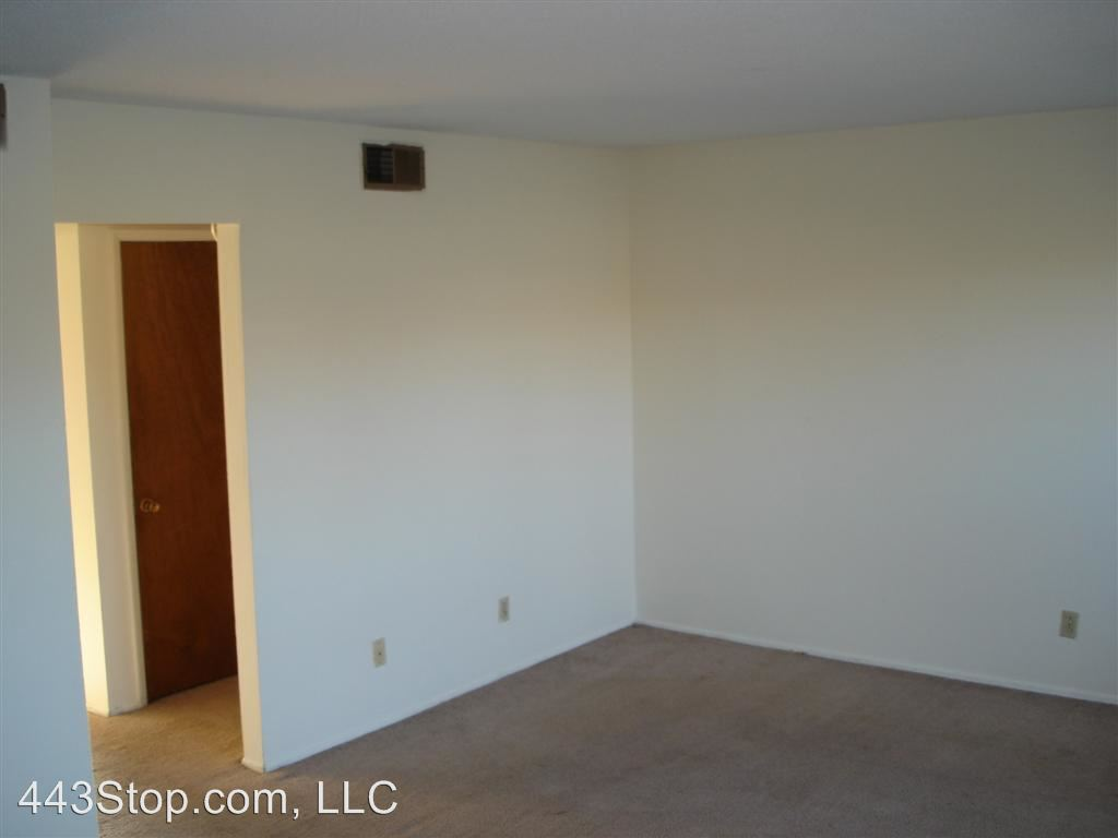 2 Bedrooms 1 Bathroom Apartment for rent at 2600 Jacobs Place in Columbia, MO