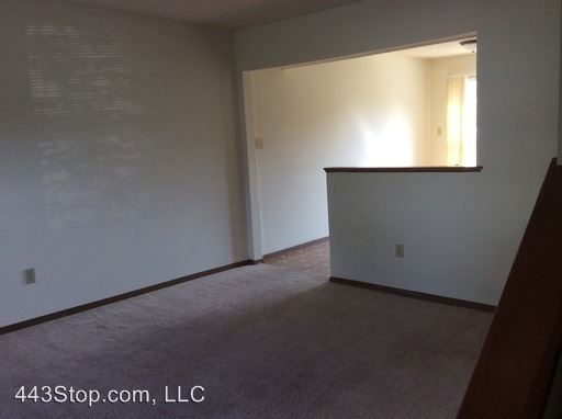 2 Bedrooms 1 Bathroom Apartment for rent at 4216-30 W. Bethany Dr. in Columbia, MO