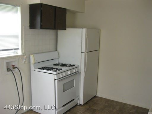 2 Bedrooms 1 Bathroom Apartment for rent at 2106 Meadowvale Ct. in Columbia, MO