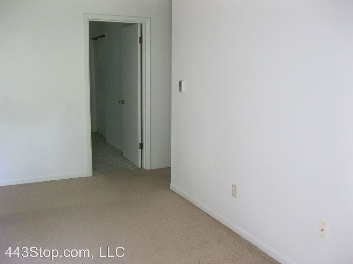 1 Bedroom 1 Bathroom Apartment for rent at 6251 North East Circle Dr. in Columbia, MO
