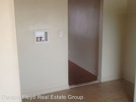 2 Bedrooms 1 Bathroom Apartment for rent at 3607 Manslick Rd in Louisville, KY