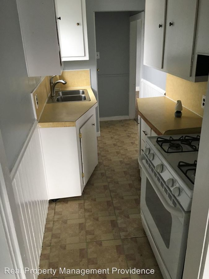 2 Bedrooms 1 Bathroom Apartment for rent at 24-26 Foster Street in Pawtucket, RI