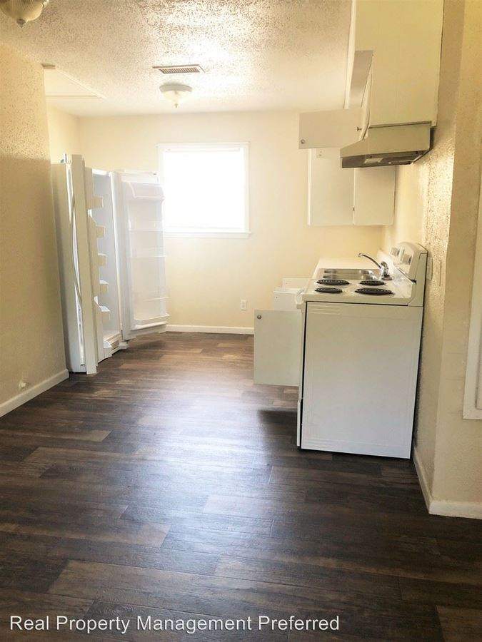 3 Bedrooms 1 Bathroom Apartment for rent at 911 University Ave in Huntsville, TX