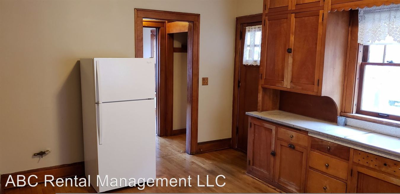 2 Bedrooms 1 Bathroom Apartment for rent at 413 Division St in Wausau, WI