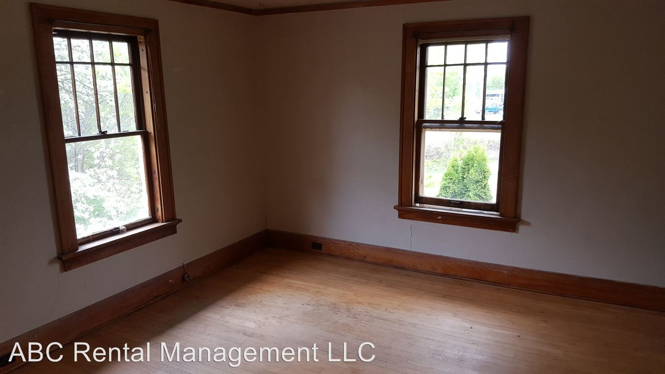 Studio 1 Bathroom Apartment for rent at 413 Division St in Wausau, WI