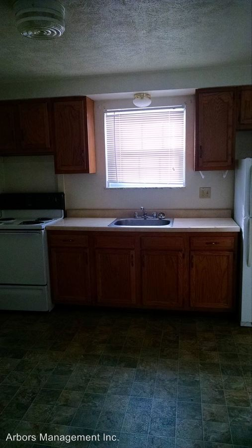 3 Bedrooms 1 Bathroom Apartment for rent at 227 West Cooper Street in Slippery Rock, PA