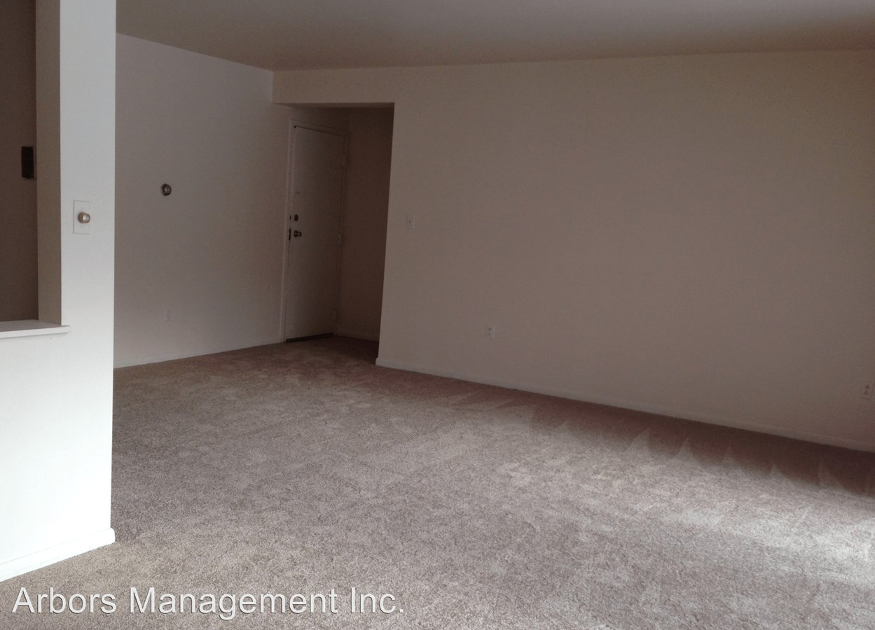 1 Bedroom 2 Bathrooms Apartment for rent at Olympia Park Plaza in Mckeesport, PA