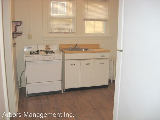 2 Bedrooms 1 Bathroom Apartment for rent at Wasson Place in Pittsburgh, PA