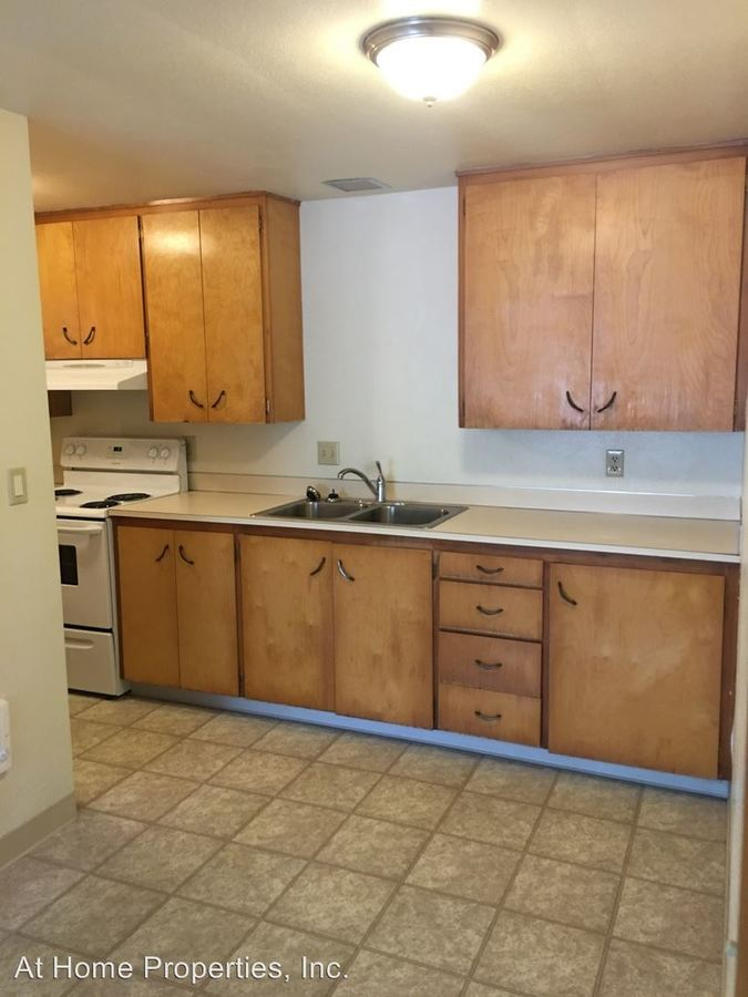 2 Bedrooms 1 Bathroom Apartment for rent at 420 Sw 8th Street in Corvallis, OR