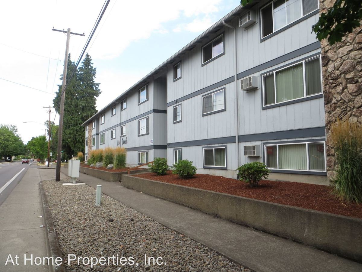 3 Bedrooms 1 Bathroom Apartment for rent at 1111-1133 Sw Western Blvd And 720 Sw 11th St. in Corvallis, OR