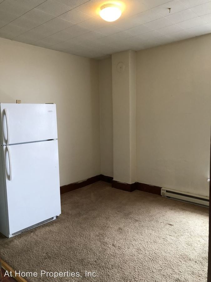 Studio 1 Bathroom Apartment for rent at 230 Se Lyon St. in Albany, OR