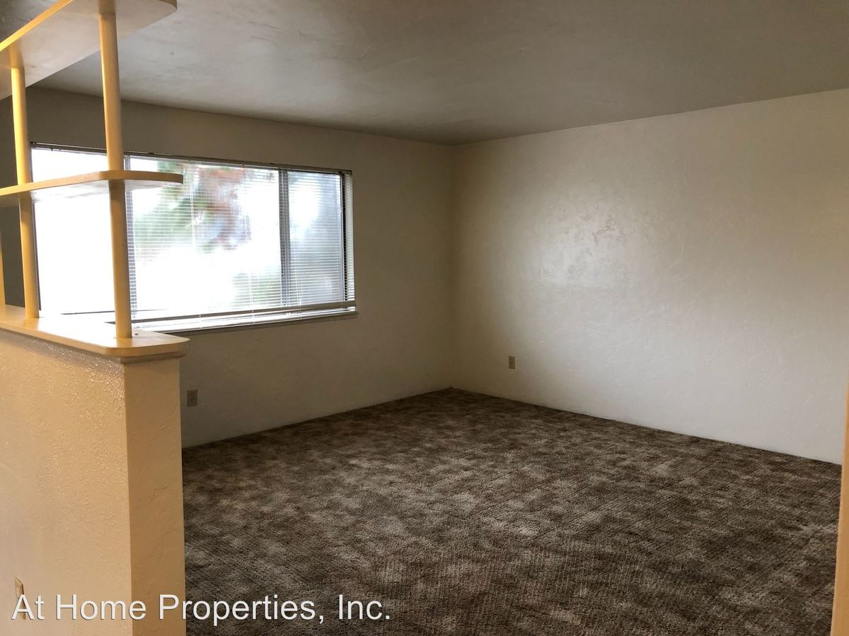 2 Bedrooms 1 Bathroom Apartment for rent at 978 Nw Cleveland Ave in Corvallis, OR