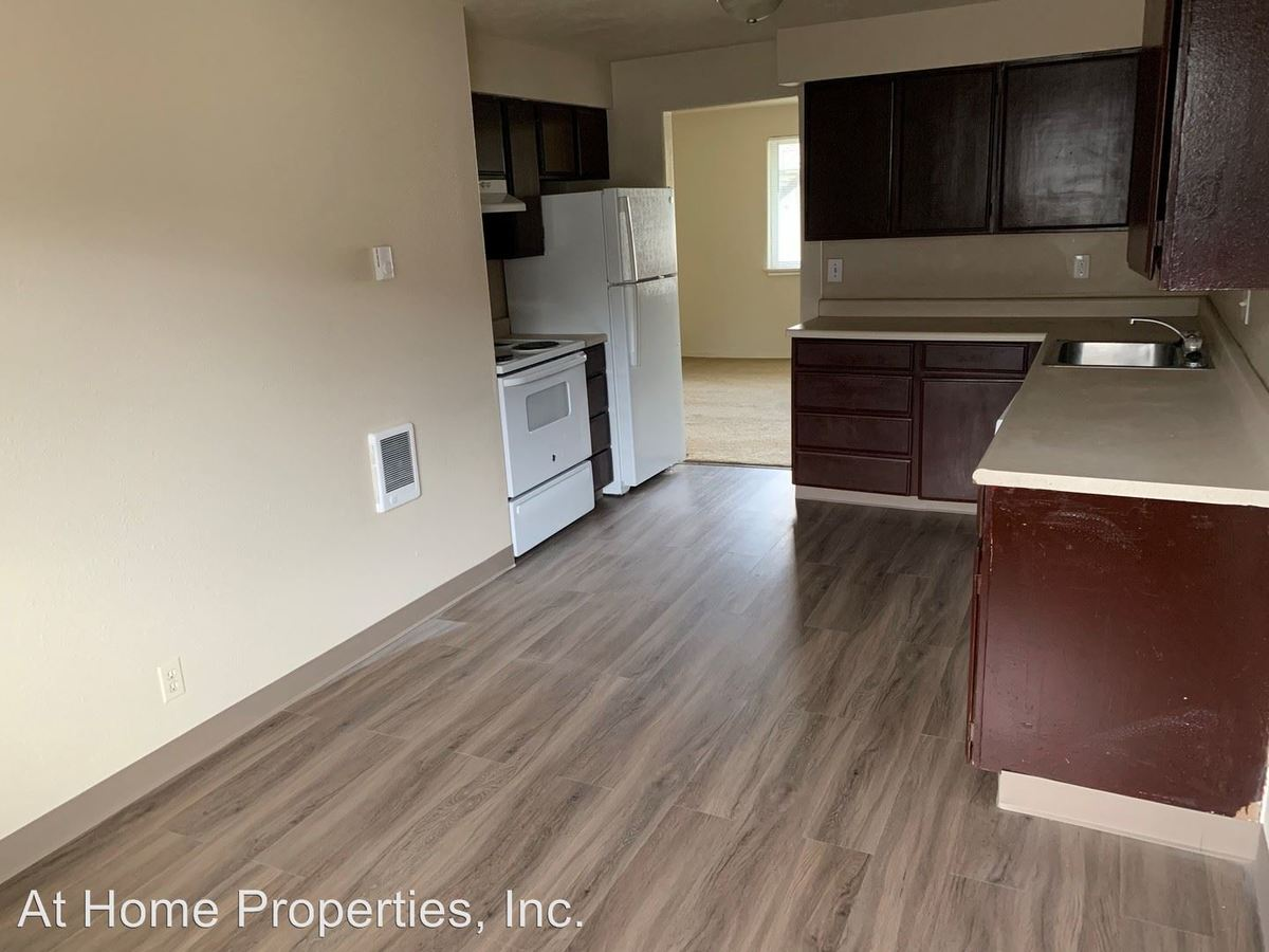 3 Bedrooms 1 Bathroom Apartment for rent at 970 Nw Garfield Ave in Corvallis, OR