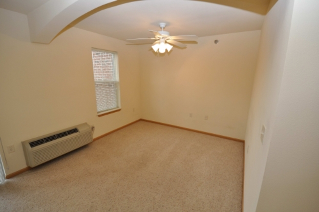 Studio 1 Bathroom Apartment for rent at Prairie Grove in Cottage Grove, WI