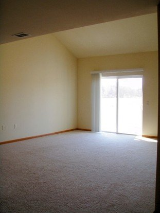 1 Bedroom 1 Bathroom Apartment for rent at Prairie Grove in Cottage Grove, WI