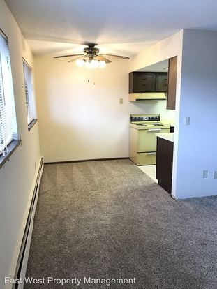 2 Bedrooms 1 Bathroom Apartment for rent at 1301 E 4th Street in Duluth, MN