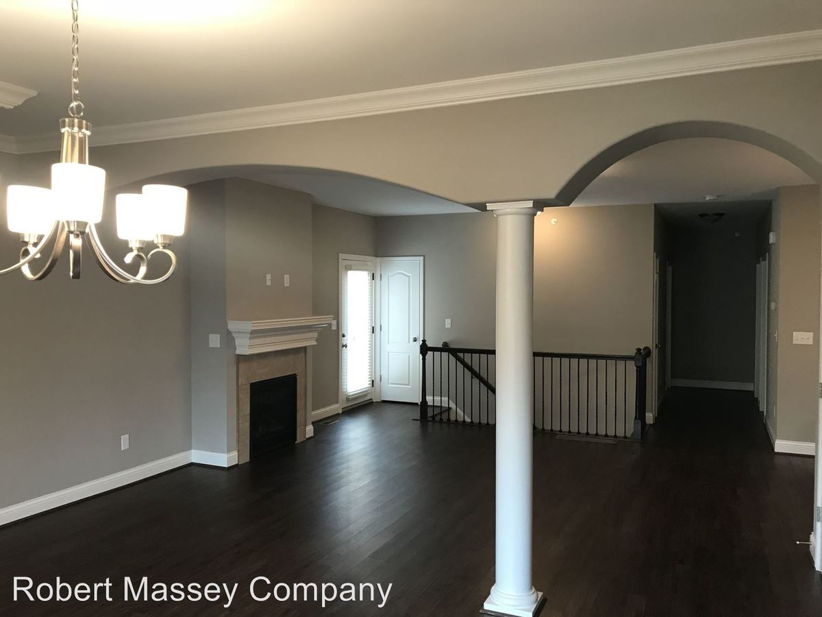 3 Bedrooms 3 Bathrooms Apartment for rent at 100 - 324 Beckley Ridge Lane in Louisville, KY