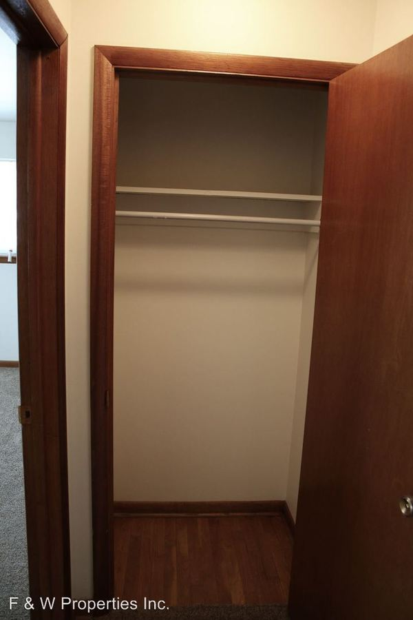 1 Bedroom 1 Bathroom Apartment for rent at 1571-1619 Roxbury Road in Grandview Heights, OH