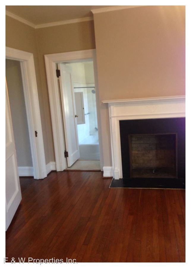4 Bedrooms 2 Bathrooms Apartment for rent at 1571-1619 Roxbury Road in Grandview Heights, OH
