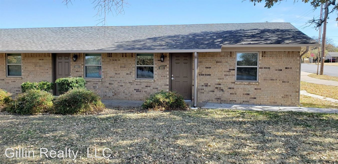 2 Bedrooms 1 Bathroom Apartment for rent at 100 W Oakdale St in Keene, TX