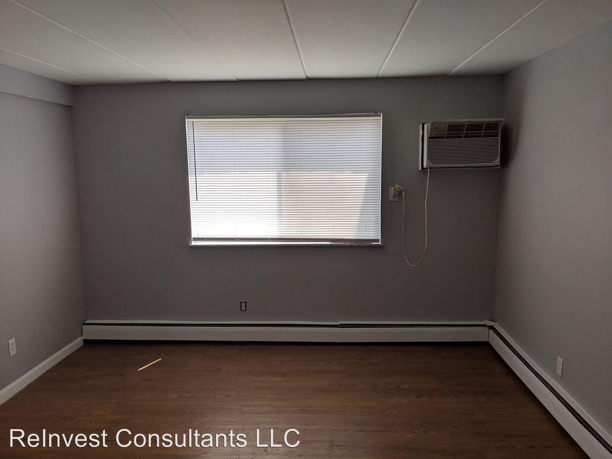 2 Bedrooms 1 Bathroom Apartment for rent at 4308 Hamilton Ave in Cincinnati, OH