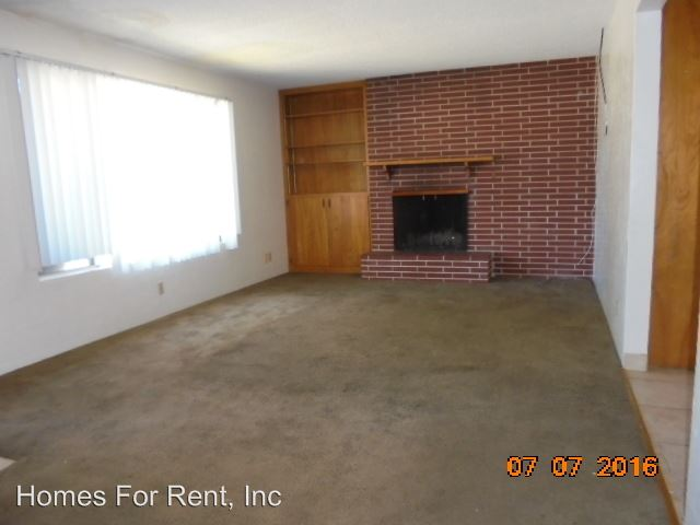 2 Bedrooms 1 Bathroom Apartment for rent at 234 N. Eaton Ave in Dinuba, CA