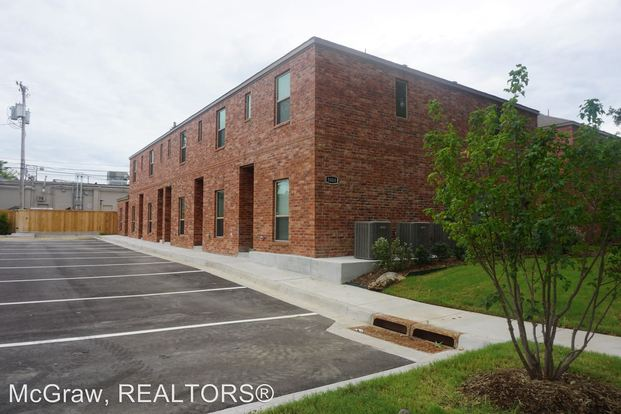 2 Bedrooms 2 Bathrooms Apartment for rent at 5008 S Quaker Ave in Tulsa, OK