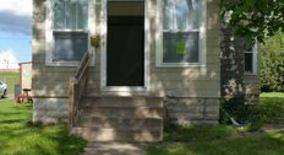 Similar Apartment at 2314 Irving Ave N
