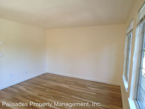 1 Bedroom 1 Bathroom Apartment for rent at 715 Se 29th Ave in Portland, OR