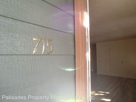 2 Bedrooms 1 Bathroom Apartment for rent at 715 Se 29th Ave in Portland, OR