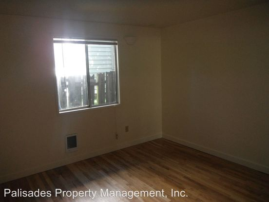 1 Bedroom 1 Bathroom Apartment for rent at 4061 Se Gladstone St in Portland, OR