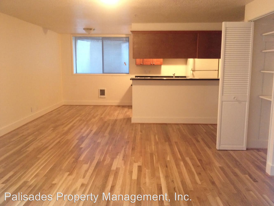 2 Bedrooms 1 Bathroom Apartment for rent at 426 Ne 75th Ave in Portland, OR